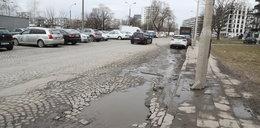 To chyba najbardziej zaniedbana ulica stolicy. Brak nadziei na remont Ordona