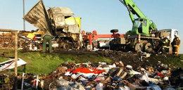W Łódzkiem czołowo zderzyły się tiry. Są ofiary i ranni