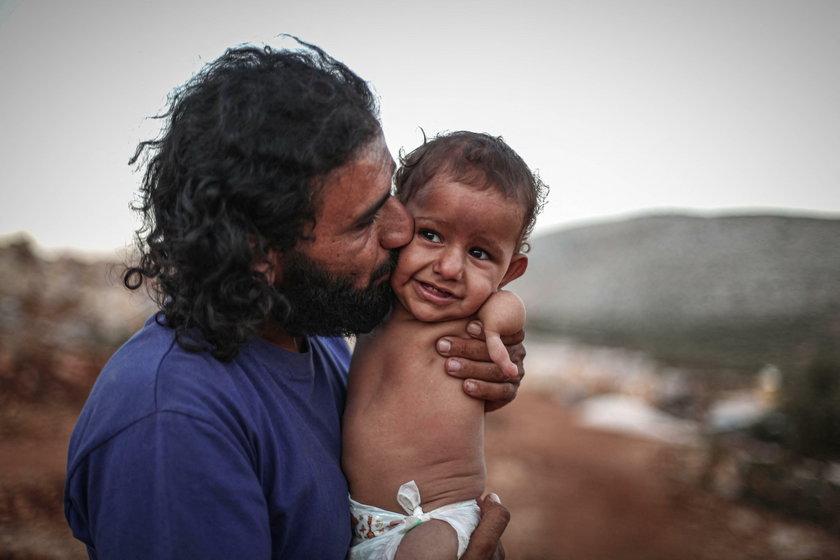 Ojciec i syn. Te zdjęcia złamią ci serce