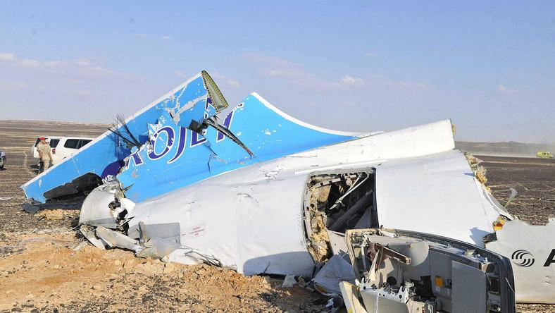 Na pokładzie maszyny były 224 osoby. Samolot uległ całkowitemu zniszczeniu. Z wraku wydobyto ciała co najmniej 100 ofiar. Jest wśród nich siedemnaścioro dzieci.