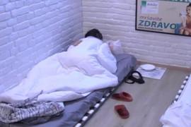 "TRESLA SE SOBA Žestok seks pred kamerama ""Zadruge"", Rebeka i Marko nisu mogli da se obuzdaju (VIDEO)"