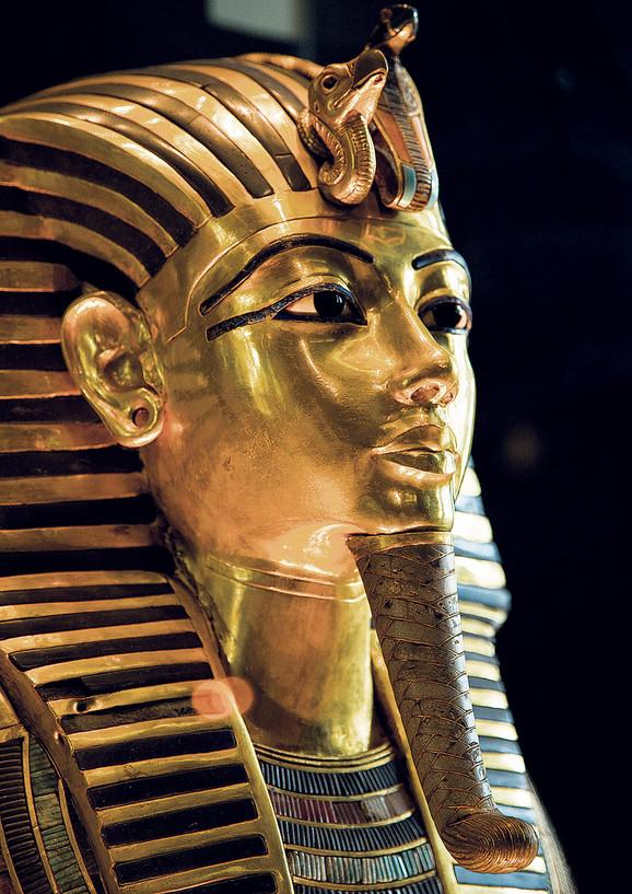 Čuvena Tuatankamonova zlatna maska