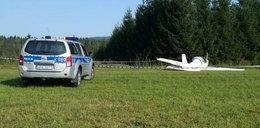 Przelatująca awionetka zabiła na ziemi mężczyznę. Pasażerem samolotu był syn ofiary