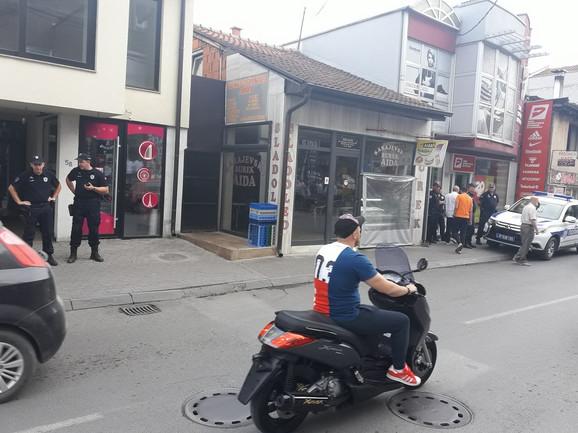 Policija čuva pekaru čiji je vlasnik optužen za napastvovanje dečaka