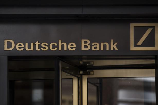 Wejście do głównej siedziby Deutsche Bank przy Wall Street w Nowym Jorku, 28.04.2018