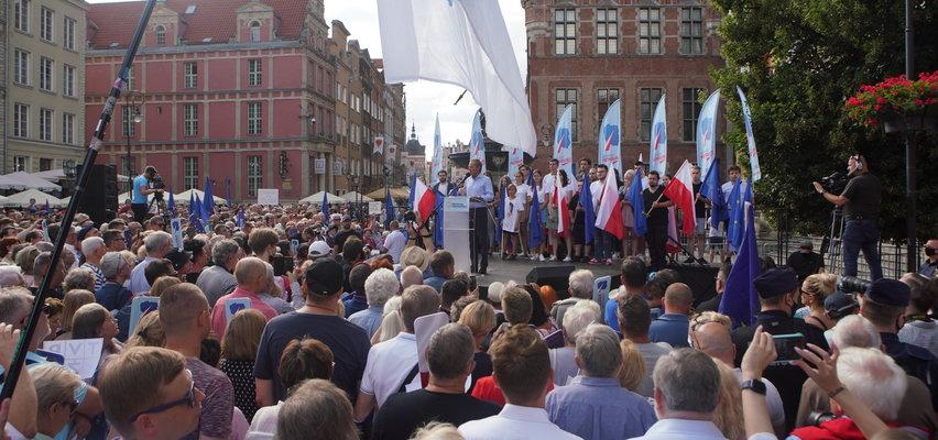 Tusk przyciągnął w Gdańsku wielkie tłumy. Z jego ust padły bardzo mocne oskarżenia