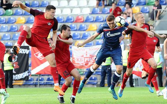 Milan Pavkov je priliku dobio od 18. minuta umesto povređenog Stojiljkovića