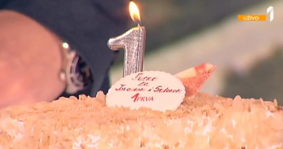 Torta povodom godinu dana emisije