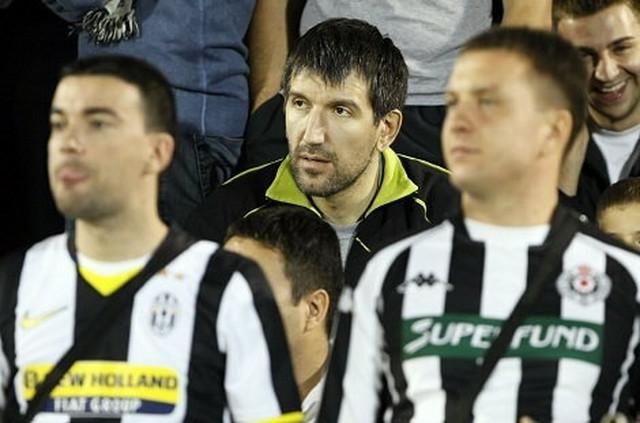 Od sada samo na tribinama - Predrag Drobnjak na utakmici Partizana
