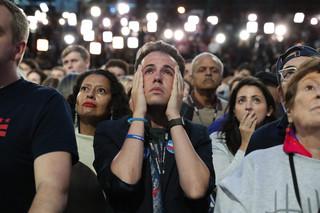 Złość i łzy w sztabie wyborczym Hillary Clinton