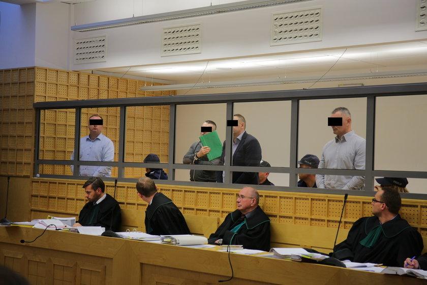 Ława oskarżonych Sądu Apelacyjnego w Łodzi