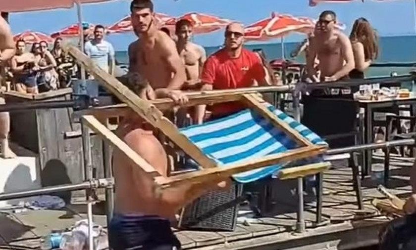 Awantura na plaży.