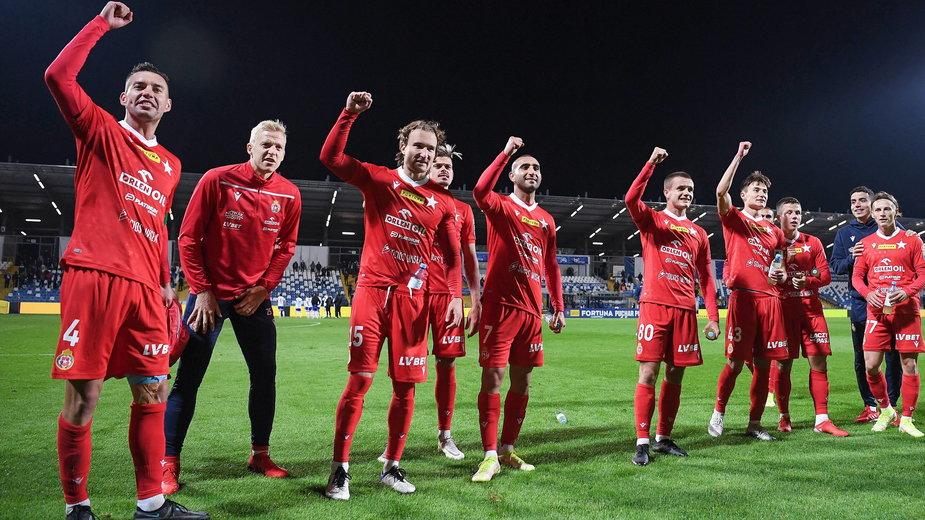 Piłkarze Wisły Kraków są obecnie na 13. miejscu w tabeli PKO Ekstraklasy
