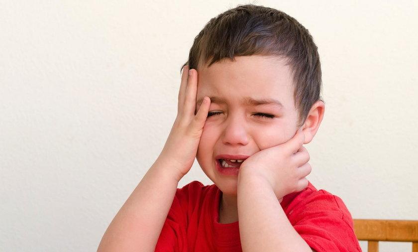 Bóle wzrostowe. Co to są bóle wzrostowe? Co zrobić, gdy dzieci bolą kości?