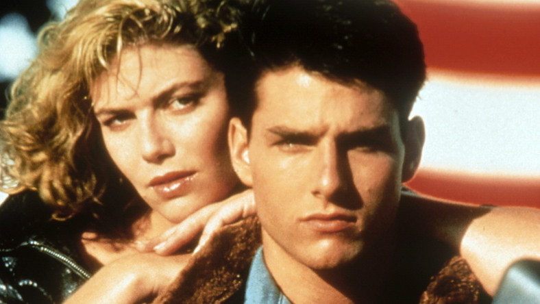 """Wytwórnia Paramount Pictures oficjalnie potwierdziła, że ruszyły prace nad sequelem kultowego filmu """"Top Gun"""" z 1986 roku. W nowej produkcji nie zabraknie jej głównej gwiazdy – Toma Cruise'a. Teraz musimy już tylko czekać na efekt końcowy..."""