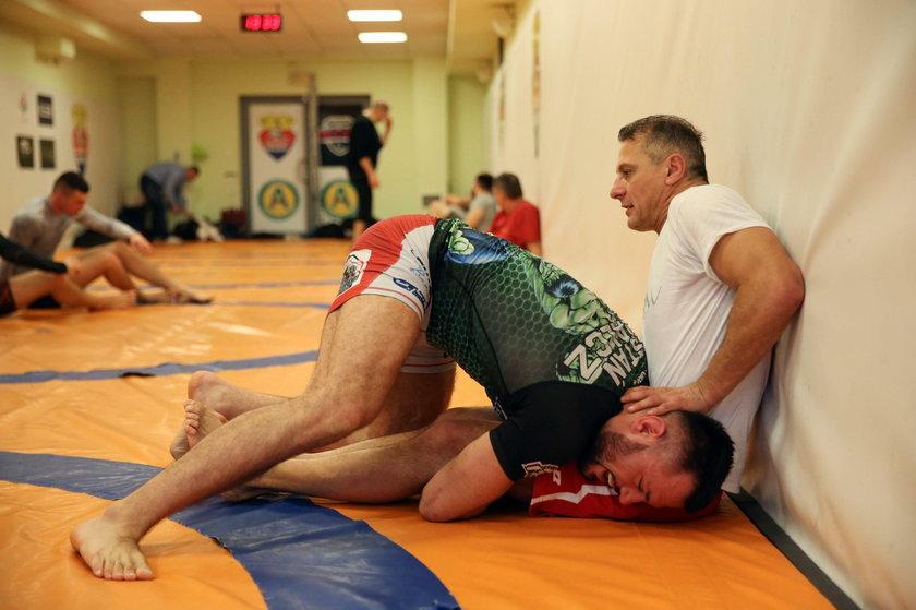 Za tydzień, w sobotę 21 grudnia, Piotr Świerczewski (47 l.) zadebiutuje w mieszanych sztukach walki (MMA).