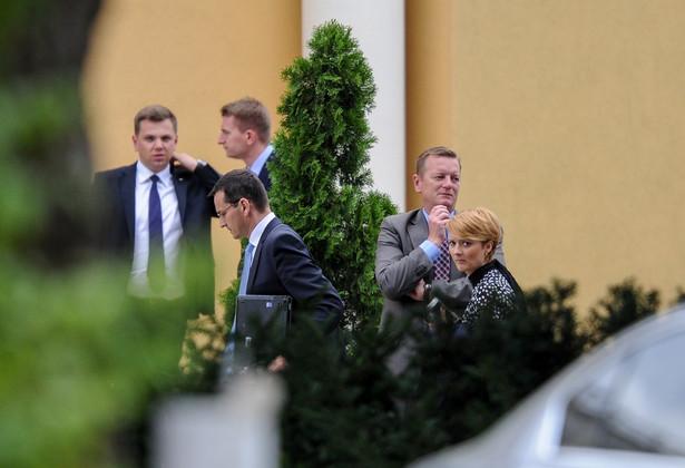 Mateusz Morawiecki w hotelu w Jachrance, gdzie odbywa się wyjazdowe posiedzenie klubu parlamentarnego PiS.