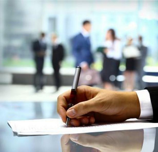 Niedozwolone klauzule najczęściej dotyczą wynagrodzeń.