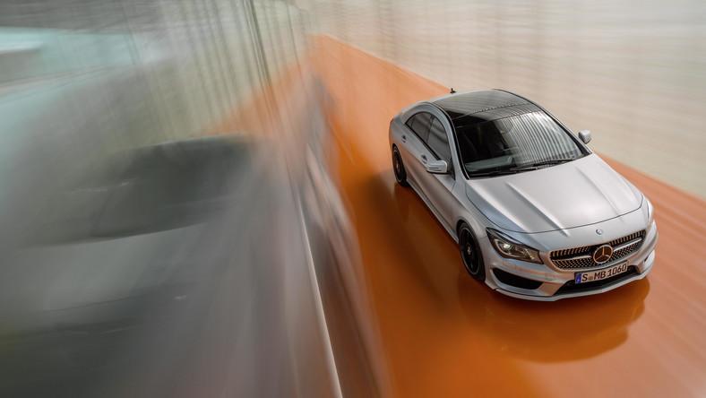 Koniec tajemnic! Mercedes zdradził ostateczny wygląd modelu CLA. Samochód będzie sensacją w czasie salonu samochodowego w Detroit. Co ciekawe auto można już zamawiać w polskich salonach tej niemieckiej marki. Cena? O tym za chwilę...