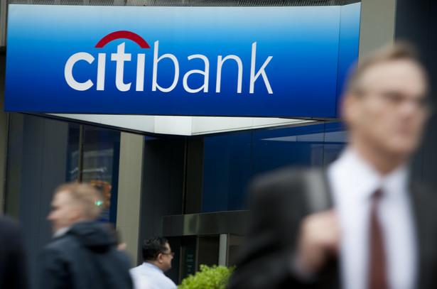 Szef Citigroup Michael Corbat, który objął stery w firmie w październiku, zlikwiduje ponad 11 tys. miejsc pracy.