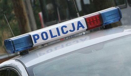 Radiowóz na sygnale wpadł do rowu. Policjant w szpitalu