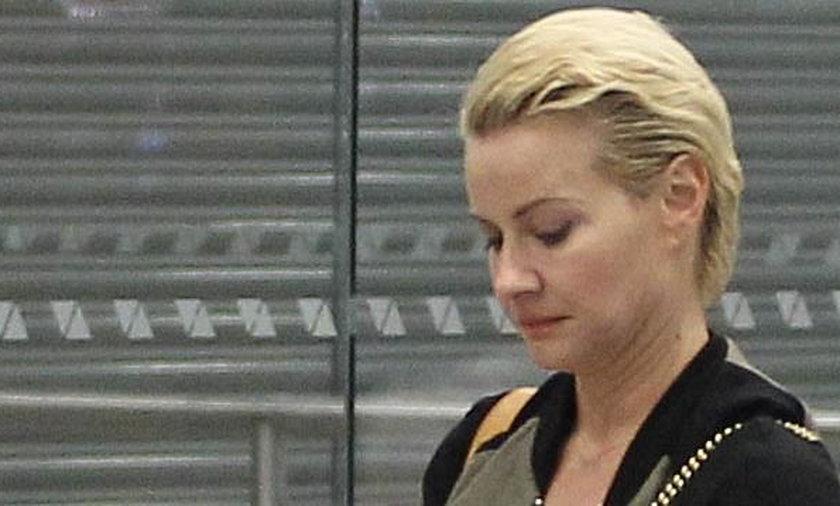 Małgorzata Kożuchowska bez makijażu na lotnisku