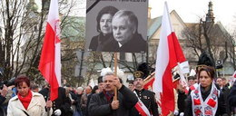 Pochód idzie ulicami Krakowa