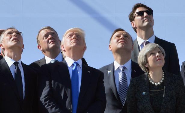 """""""Populizm jest przypisywany zarówno demokratom, jak i antydemokratom. Liberałom i antyliberałom. Można go traktować jako przyjaciela lub wroga demokracji."""""""