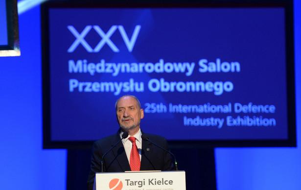 Minister obrony narodowej Antoni Macierewicz, PAP/Piotr Polak