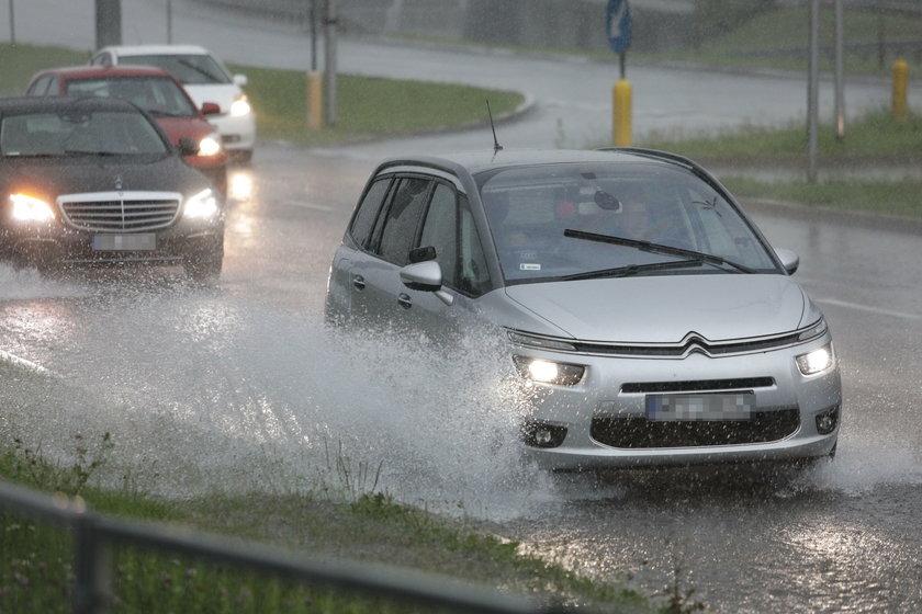 Burza i ulewne deszcze w Warszawie