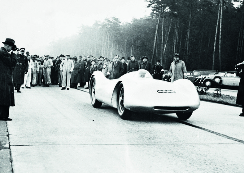 Rosemeyer na starcie do bicia rekordu w 1937 roku