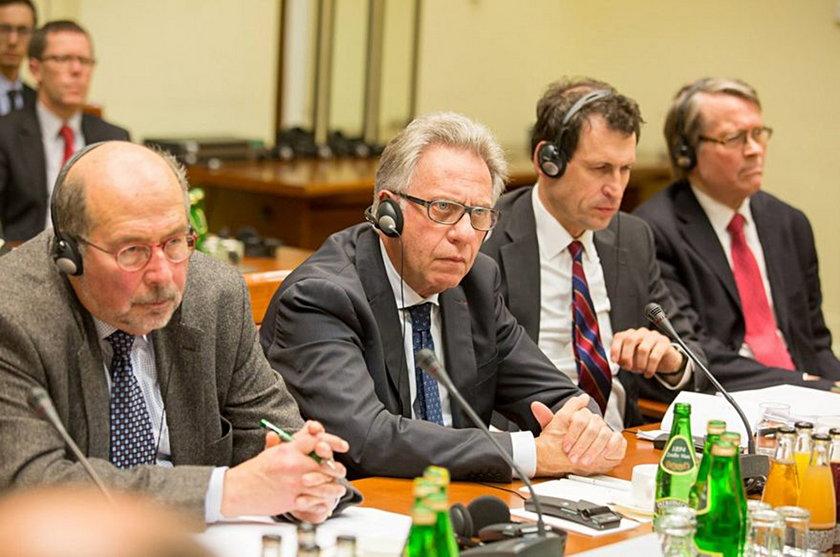 Wstępna opinia Komisji Weneckiej druzgocąca dla PiS