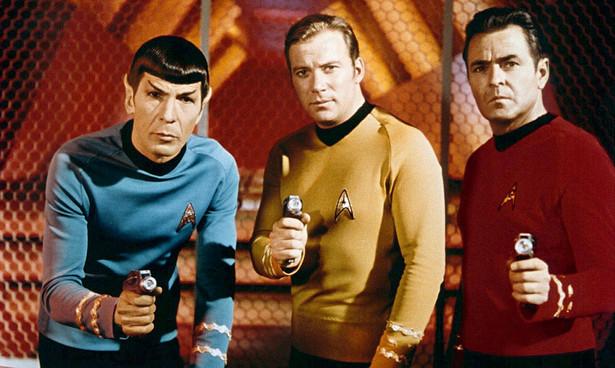 """Thomas Pynchon unika mediów jak ognia. Więc zamiast zdjęcia pisarza, kadr z klasycznego serialu """"Star Trek"""", do którego autor odwołuje się na łamach """"Vineland"""""""