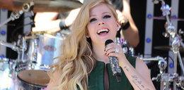 Avril Lavigne nie żyje? Piosenkarka ma sobowtóra?