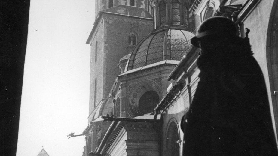 Niemiecki wartownik na Wawelu, 1941 r.
