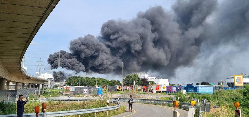 """Wybuch w Leverkusen. Nad miastem unoszą się kłęby dymu. """"Ekstremalne zagrożenie"""""""