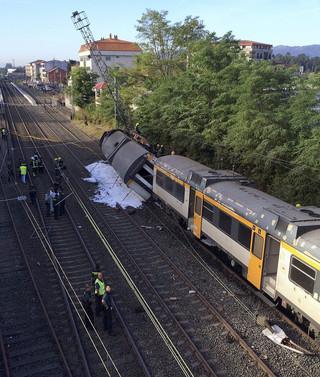 Hiszpania: Wykoleił się pociąg, co najmniej czterech zabitych