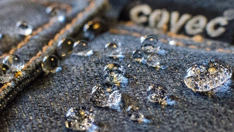 Covec to nowy materiał do produkcji motocyklowych dżinsów