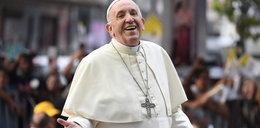 Uwielbia żartować i robić selfie - taki jest papież Franciszek