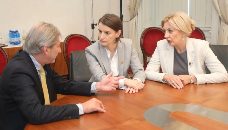 Johanes Han, Ana Brnabić, Trst