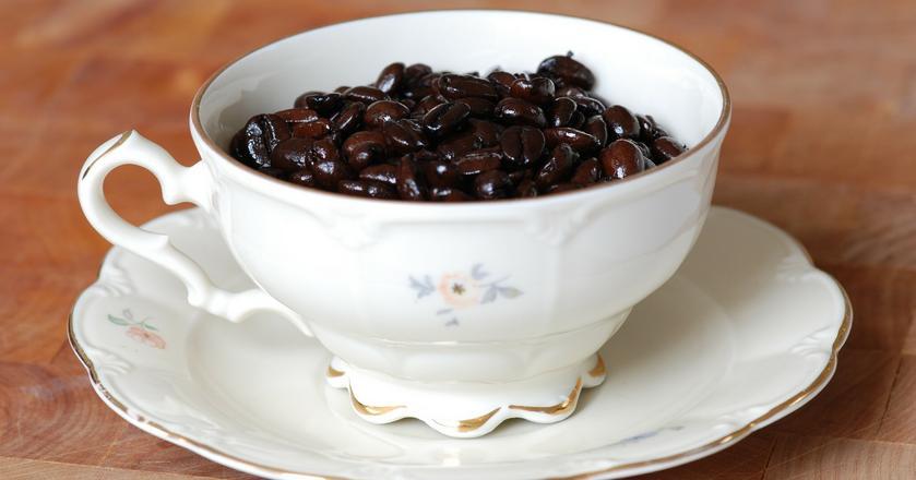 Kawa potrafi skutecznie pobudzić, ale pita w nadmiarze może być szkodliwa