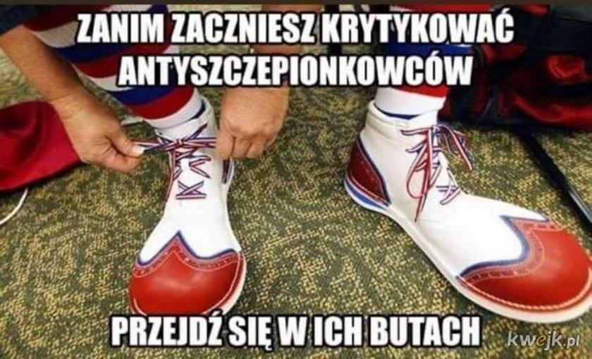 Koronawirus w Polsce. Memy o antyszczepionkowcach. Galeria