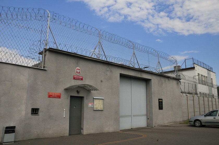 ZK Włocławek: Prochy i pizza do celi