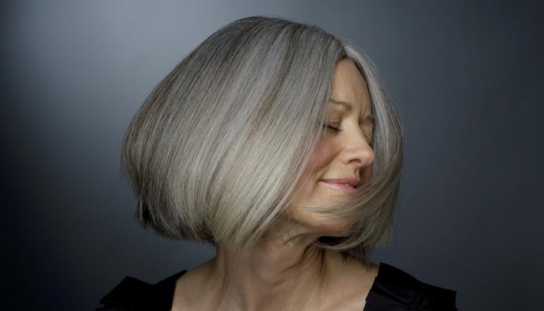 5553a4d6b3 Ez a frizura már nem áll jól 40 felett! Megmutatjuk, hogy legyél ...
