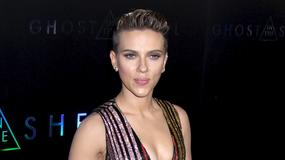 Scarlett Johansson eksponuje biust na premierze. Jak wyglądała?