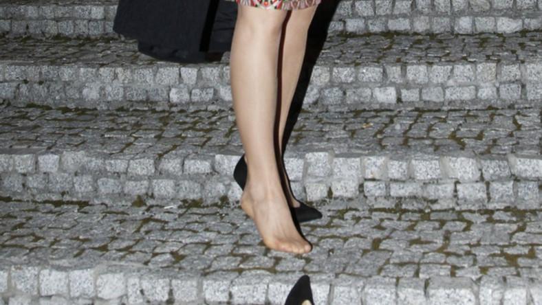 Aktorka, wchodząc na imprezę, zgubiła but