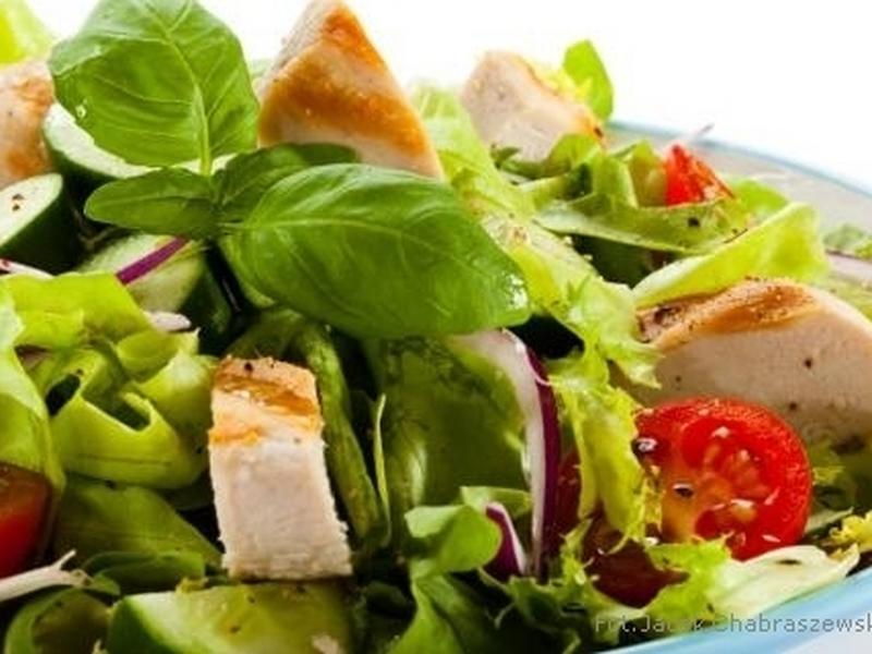 Zdrowa I Dietetyczna Sałatka Z Kurczakiem