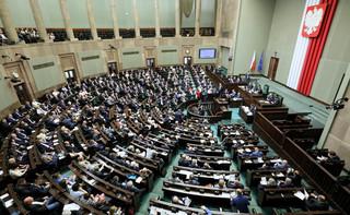 Obniżka diety posła za zachowanie nielicujące z pełnioną funkcją. Sejm uchwalił zmiany