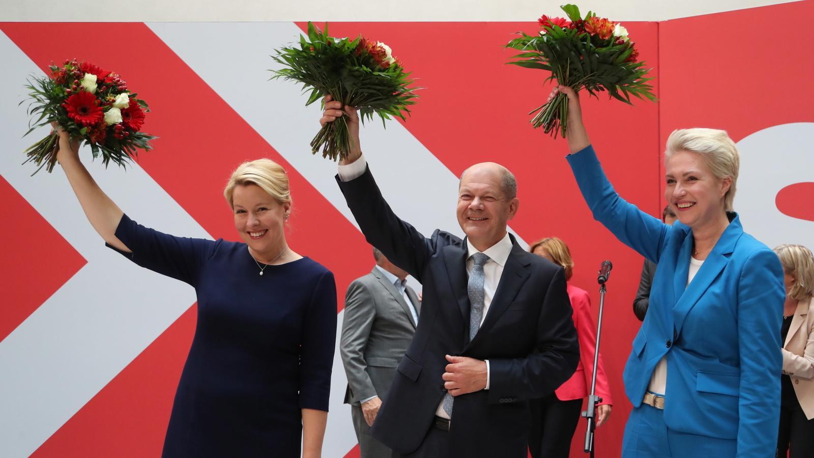 Wybory w Niemczech o włos wygrali socjaldemokraci, ale nie wiadomo, czy stworzą rząd