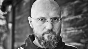 """Konrad Niewolski, reżyser """"Symetrii"""" i """"Asymetrii"""": ci, którzy mieli mnie dorwać, już nie żyją"""